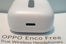 Melihat Wujud Oppo Enco Free, TWS Pertama Buatan Oppo