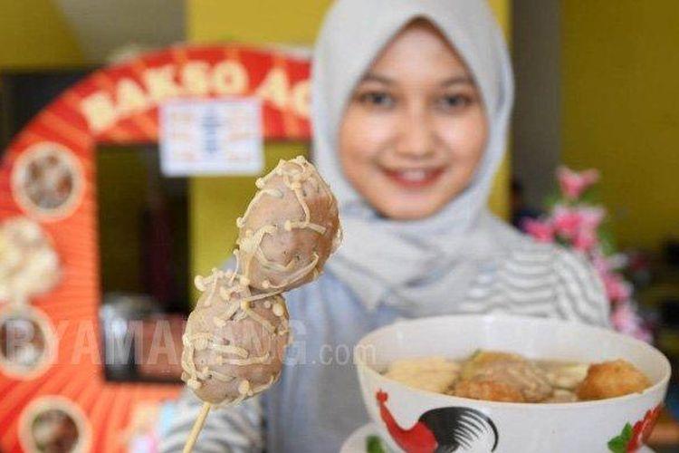 Bakso aci bentuk virus corona di Surabaya.