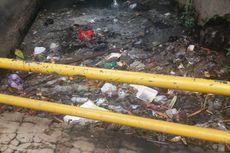 Drainase Tersumbat Sampah Jadi Penyebab Banjir Taman Duta, Depok