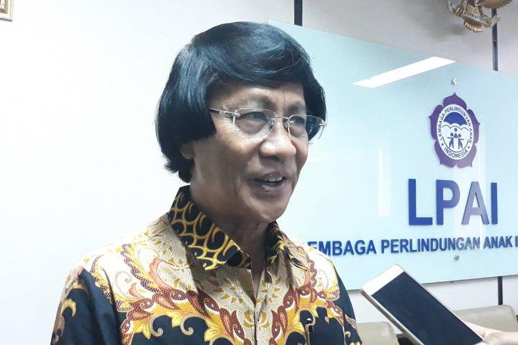 Ketua Umum Lembaga Perlindungan Anak Indonesia (LPAI) Seto Mulyadi (tengah) di kantor LPAI, Salemba, Jakarta Pusat, Jumat (25/10/2019).