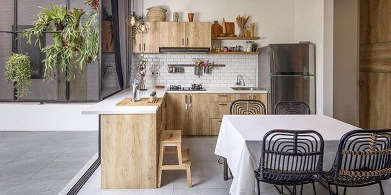 Dapur yang dikonsep untuk EN House karya Mande Austriono.