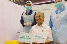 Berusia 95 Tahun, Mahathir Jadi Warga Tertua Malaysia yang Terima Vaksin Covid-19