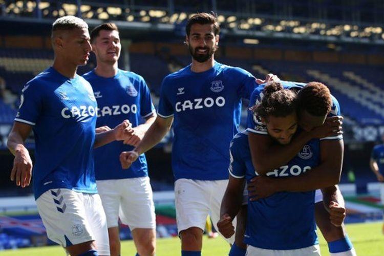 Para pemain Everton dalam laga kontra West Brom pada pekan kedua Premier League - kasta tertinggi Liga Inggris - musim 2020-2021.
