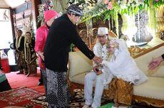 50 Pasangan Ikuti Nikah Massal HUT Kota Ungaran, Pengantin Tertua Usia 74 Tahun
