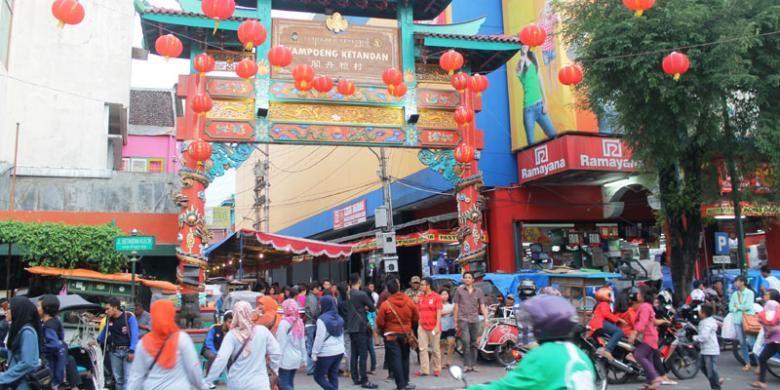 Gapura Kampoeng Ketandan menjadi salah satu pintu masuk utama ke Pekan Budaya Tionghoa Yogyakarta (PBTY) X, Kamis (5/3/2015).