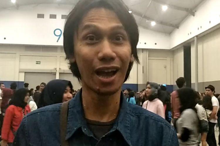 Gitaris Sheila on 7, Eross Chandra, ditemui setelah menonton konser Paramore di ICE BSD City, Tangerang, Sabtu (25/8/2018) malam.