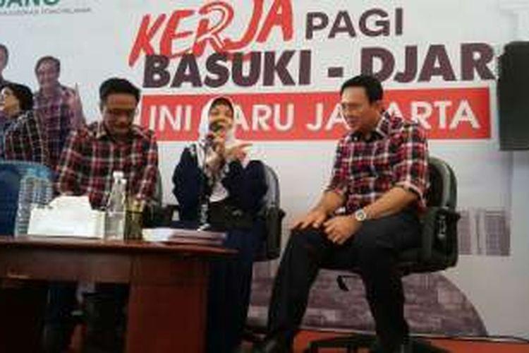 Pasangan calon gubernur-wakil gubernur DKI Jakarta Basuki Tjahaja Purnama dan Djarot Saiful Hidayat bersama Ummi Nurul, di Rumah Lembang, Menteng, Jakarta Pusat, Senin (19/12/2016).