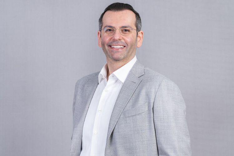 CEO PT Indosat Tbk (Indosat Ooredoo) Ahmad Al-Neama