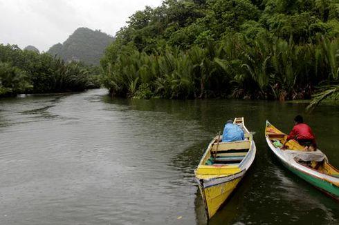 Ajak Atta Halilintar, Sandiaga Resmikan Desa Wisata Rammang-Rammang