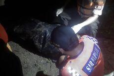Tim SAR Evakuasi Mayat Tanpa Identitas yang Hanyut di Sungai Bengawan Solo