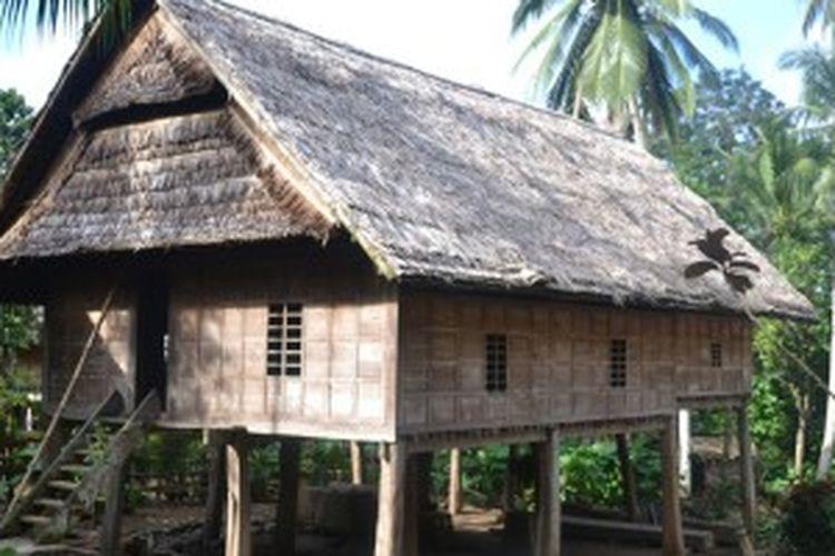Rumah masyarakat desa adat Ammatoa, Desa Tana Towa Kecamatan Kajang, Kabupaten Bulukumba, Sulawesi Selatan.