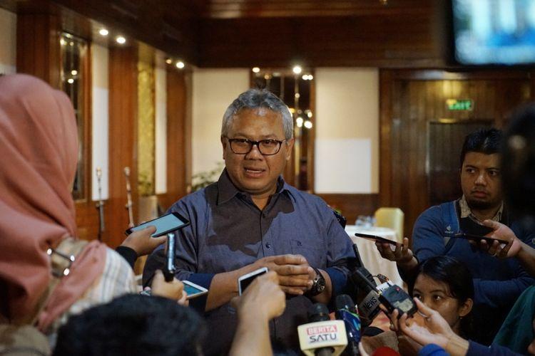Ketua Komisi Pemilihan Umum (KPU) Arief Budiman saat ditemui seusai acara penandatanganan pakta integritas moderator dan panelis debat kedua pilpres, di Hotel Sari Pasific, Jakarta Pusat, Sabtu (9/2/2019).