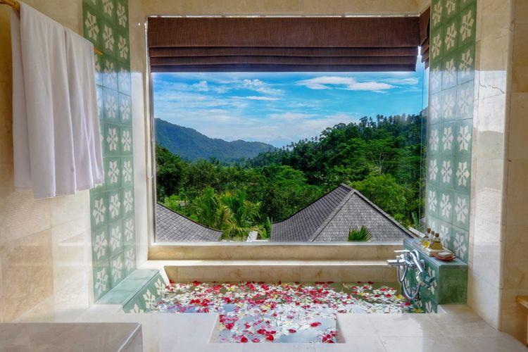 Pemandangan dari salah satu kamar di Wapa di Ume Sidemen, Bali.