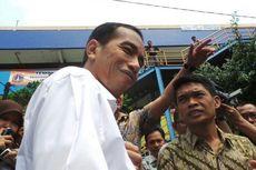 Jokowi Diserbu Pedagang Pasar Bondowoso