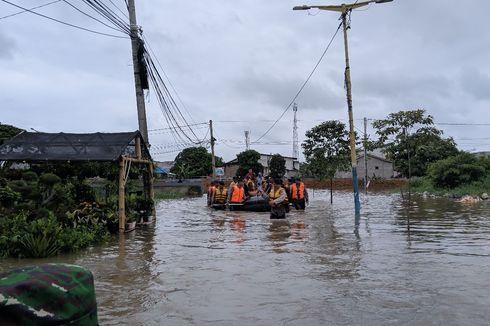 Hari Keempat Banjir, Warga Garden City: Rumah Kami Sudah Bau Pasar Ikan