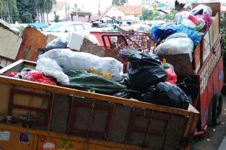 ilustrasi gerobak sampah