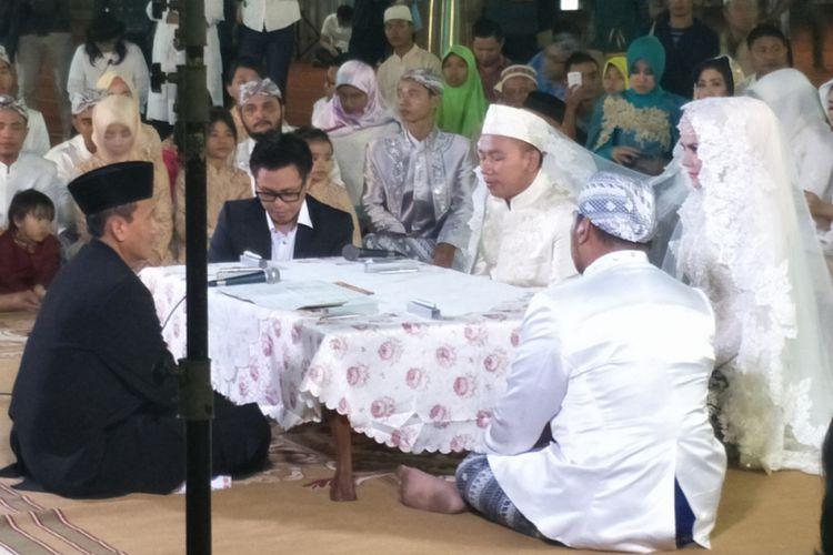 Vicky Prasetyo dan Angel Lelga menggelar akad nikah di Masjid Istiqlal, Jakarta Pusat, Jumat (9/2/2017).
