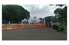 Polisi Buat Barikade dan Tutup Akses Menuju Istana Negara