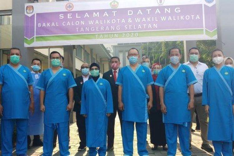 Pasangan calon Wali Kota dan Wakil Wali Kota Tangsel hendak menjalani pemeriksaan kesehatan di RSUD Kabupaten Tangerang pada Selasa (8/9/2020). Pemeriksaan kesehatan tersebut merupakan tahapan Pilkada Tangsel yang harus dijalani masing-masing kandidat.
