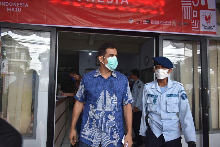 Tampak Mantan Bendahara Umum Partai Demokrat Muhammad Nazaruddin keluar dari kantor Bapas Bandung, Jalan Ibrahim Adjie Kota Bandung. Hari ini Nazarudin dinyatakan bebas murni, Kamis (13/8/2020).