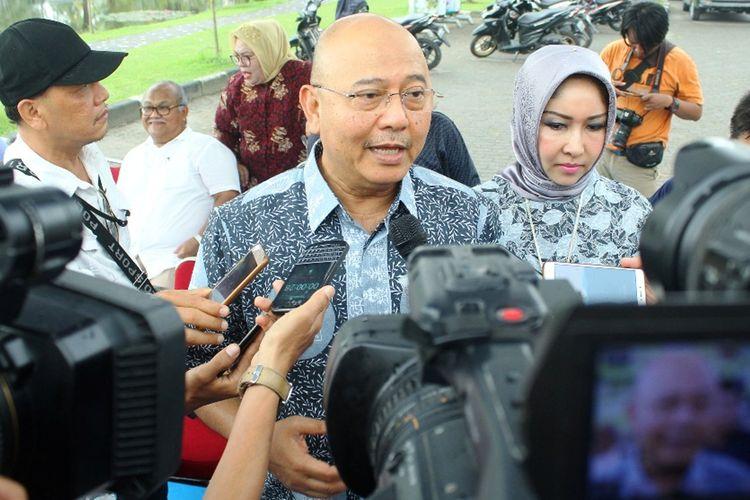 Wali Kota Medan Dzulmi Eldin usai mencoblos di TPS 112, Kota Medan, Rabu (17/4/2019)
