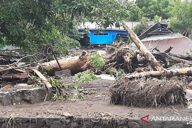 A house damaged by flood in Lembata Regency, East Nusa Tenggara on Sunday, April 4.