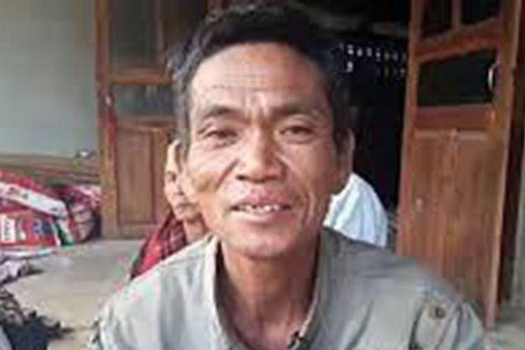 Sakorn Sacheewa (44) kembali ke rumah tujuh bulan setelah keluarganya menggelar upacara pemakaman dan kremasi untuk jenazah seorang pria.