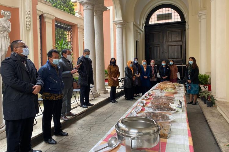 The Munggahan activity with the Indonesian embassy in Rome welcome the beginning of Ramadan 2021.