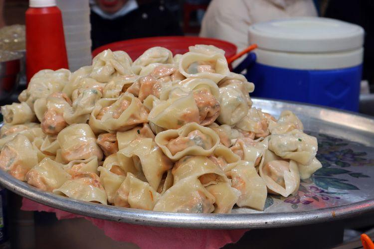 Ilustrasi kuliner Korea : pangsit isi (mandu).