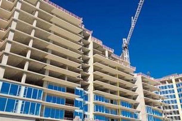 Pengembang mulai mengantisipasi kondisi politik 2014 dengan mengerem ekspansi bisnis properti. Strategi konsolidasi bisnis akan dilakukan dengan menahan pembangunan proyek baru.