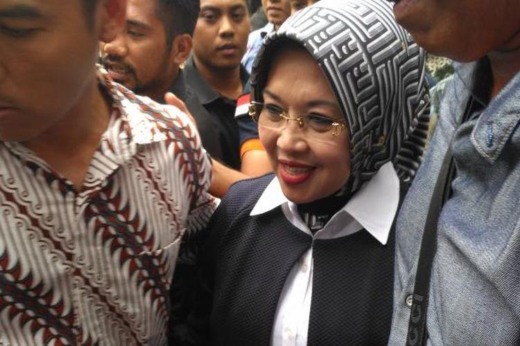 Mantan Walikota Kota Jakarta Pusat Sylviana Murni di gedung Ombudsman, kantor sementara Direktorat Tindak Pidana Korupsi Bareskrim Polri, Jakarta, Senin (30/1/2017)