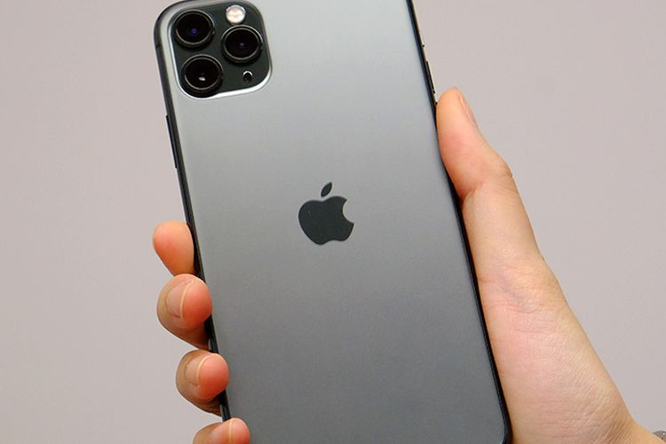 Logo Apple di iPhone 11 Pro