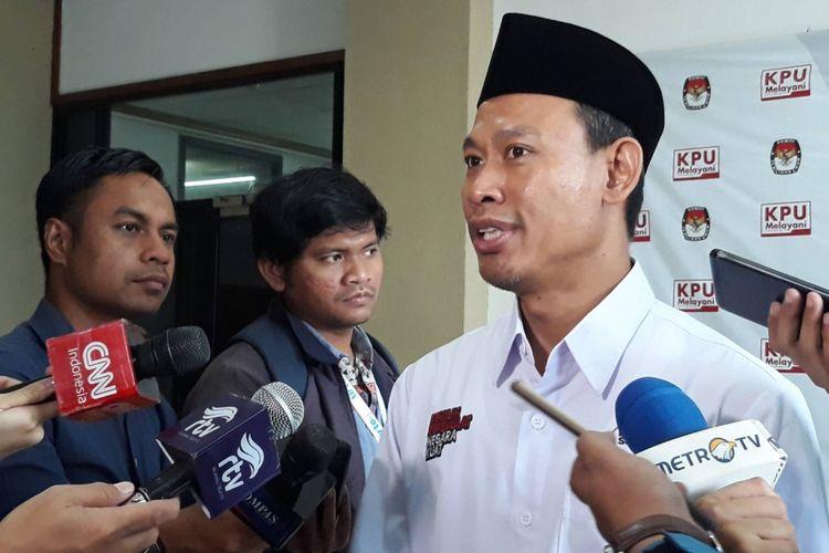 Komisioner KPU Pramono Ubaid Tanthowi di Kantor KPU, Menteng, Jakarta Pusat.