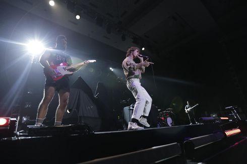 Don Broco Dua Kali Kejutkan Penonton di Konser Mike Shinoda, Bawakan Lagu Linkin Park