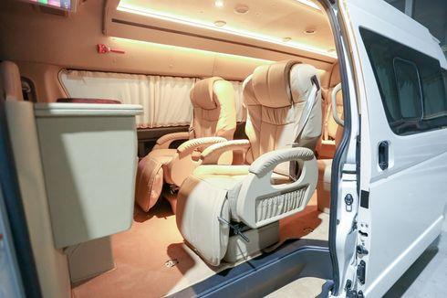 Modifikasi Interior Toyota HiAce Ala Mobil Mewah Sultan
