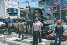 Rem Blong, Truk Tabrak 7 Motor dan 1 Mobil yang Sedang Berhenti di Lampu Merah