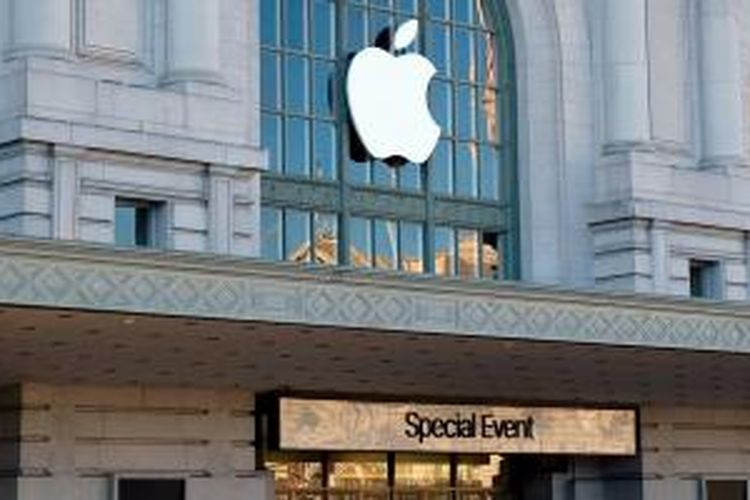 Logo Apple di Bill Graham Ciciv Auditorium, San Francisco, AS.