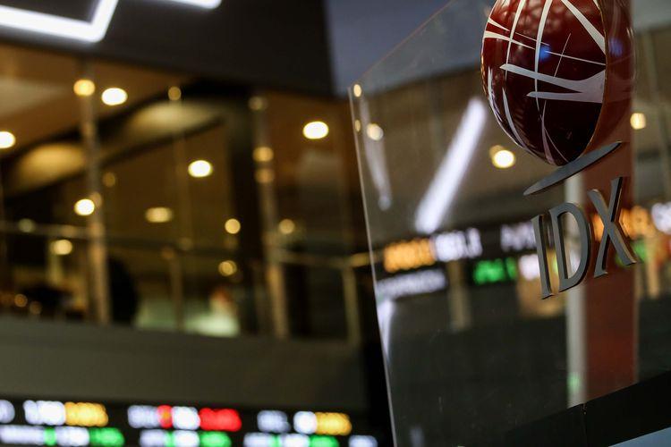 Suasana Pergerakan Indeks Harga Saham Gabungan (IHSG) di Bursa Efek Indonesia (BEI), Jakarta, Senin (1/7/2018). IHSG dibuka pada 6.381,18 naik 22,56 poin dibandingkan penutupan perdagangan Jumat lalu.