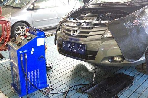 Begini Cara Mudah Cek Kebocoran Oli Transmisi pada Mobil Matik
