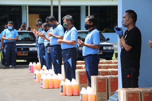 Atasi Pandemi Corona, Alumni AAU Bagikan Alat Penyemprot Disinfektan