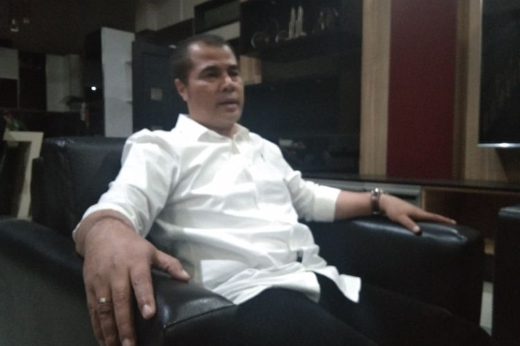 Anggota DPD RI Jawa Barat, Aceng HM Fikri yang juga mantan Bupati Garut saat ditemui dirumahnya, Minggu (25/08/2019)