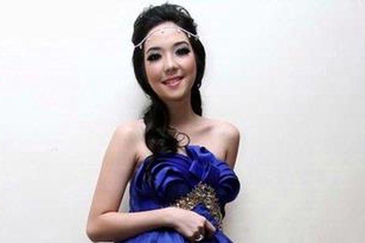 Penyanyi lulusan Indonesian Idol, Gisella Anastasia atau Gisel, menghadiri pergelaran SCTV Awards 2012 di Teater Tanah Airku, Taman Mini Indonesia Indah, Jakarta Timur, Jumat (30/11/2012) malam.