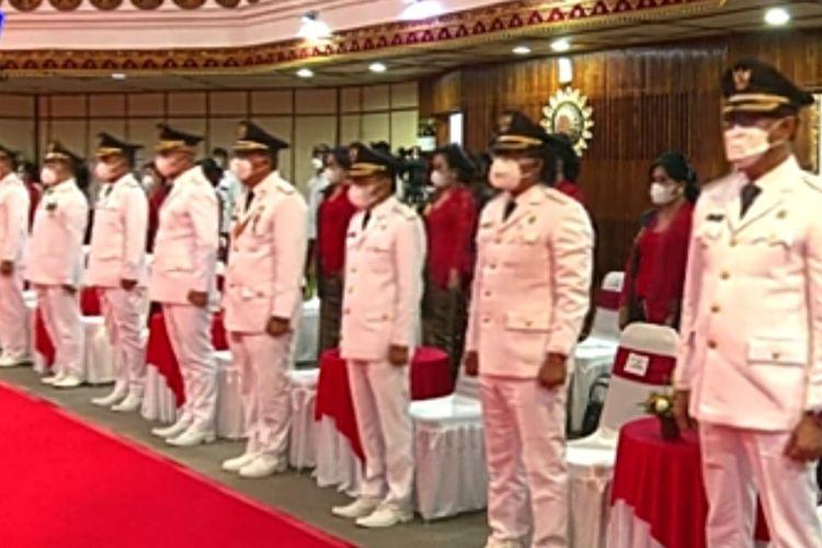 Gubernur Bali, Wayan Koster melantik Kepala Daerah terplih di 6 Kabupaten/Kota se-Bali, di Kantor Gubernur Bali, Jumat (26/2/2021).