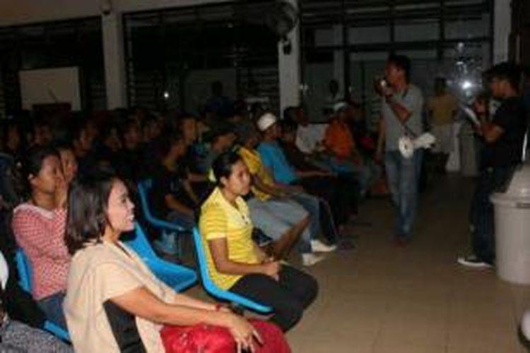 Pemerintah Malaysia kembali mendeportasi 97 TKI illegal melalui pelabuhan Tunon Taka Nunukan Kalimantan Utara. Dari 97 TKI deportasi 87 diantaranya memasuki Malaysia tanpa dokumen.
