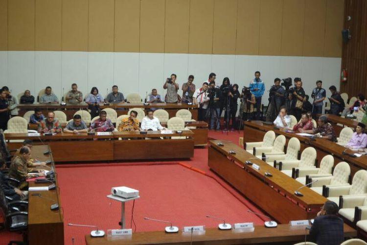 Rapat pansus hak angket KPK di Gedung Nusantara II, Kompleks Parlemen, Senayan, Jakarta, Senin (19/6/2017).