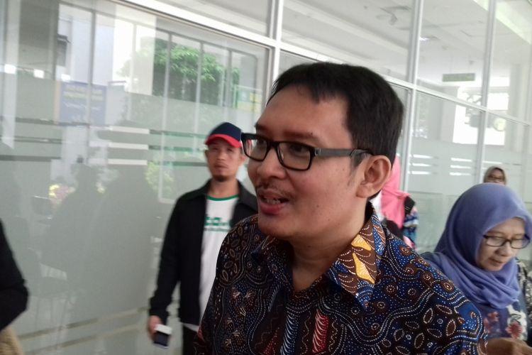 Staf Khusus Presiden Bidang Ekonomi, Ahmad Erani Yustika usai menghadiri seminar di Universitas Islam Malang (Unisma) Selasa (27/11/2018).