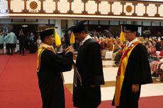 Dinilai Berjasa dalam Bidang Manajemen SDM, Panglima TNI Raih Doktor Honoris dari UNS