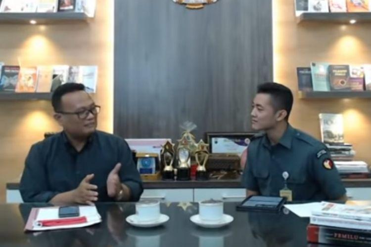 Ketua Bawaslu Provinsi Jawa Tengah Fajar Saka saat live streaming di akun Youtube Bawaslu Jateng, Senin (21/9/2020).