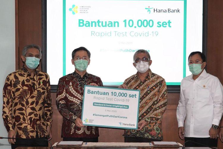Bank KEB Hana Sumbang 10.000 Unit Rapid Test ke Kemenkes, Selasa (5/5/2020).