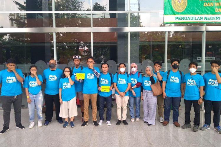 Sejumlah warga menggugat Gubernur DKI Jakarta Anies Baswedan hingga Presiden Joko Widodo terkait buruknya udara Jakarta, PN Jakarta Pusat, Kamis (4/7/2019)
